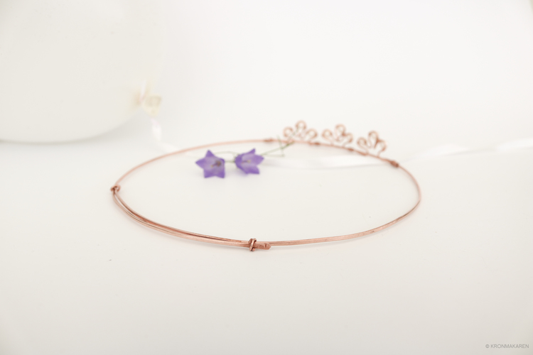 TIARA CIRCLET - PEARLS ARE FOREVER: 3:A