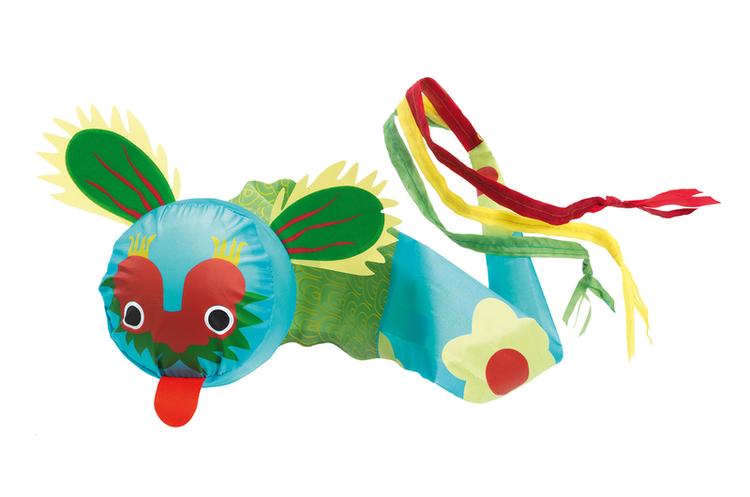 Kasta drake, kul utomhuslek från Djeco