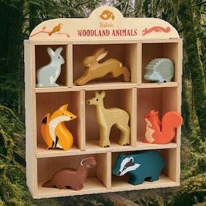 Vackra djur i trä från Tender Leaf Toys