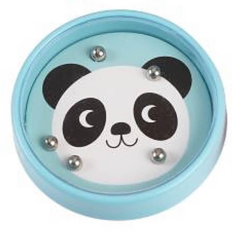 Tålamodsspel eller minspel i pastell - panda