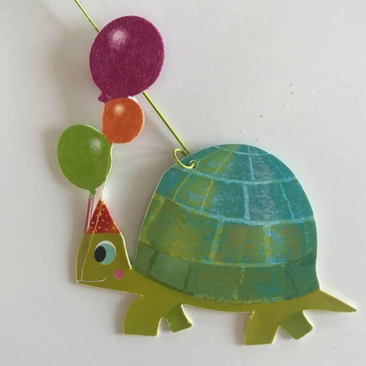 Härlig mobil med djurparad (Carneval of animals) från Djeco - Sköldpadda