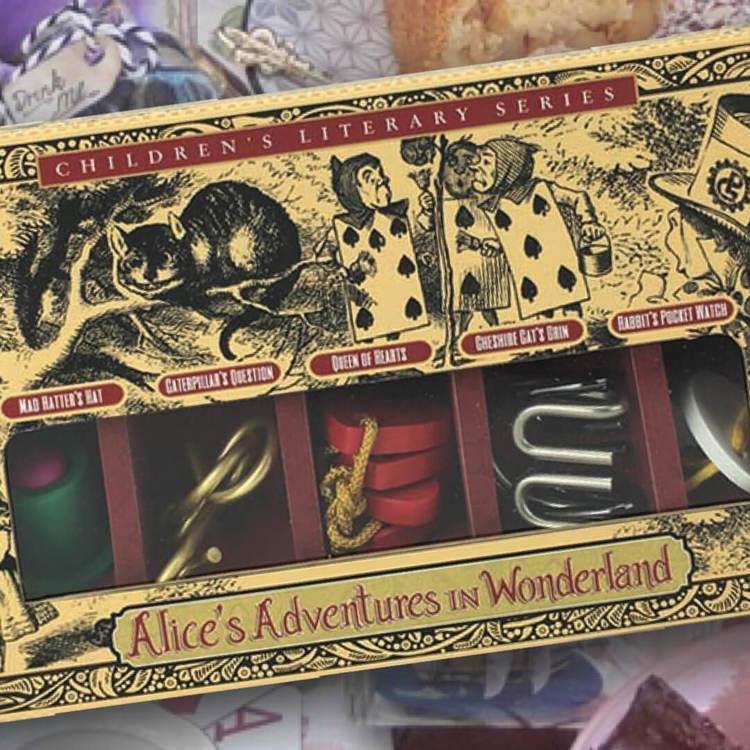 Alice i Underlandet - 5 stycken olika kluringar i fin förpackning