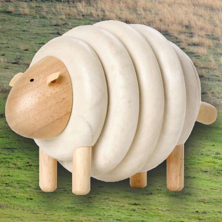 Klä på fåret dess ull - Lacing Sheep från PlanToys