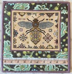 The Blue Flower - Quilting Bee