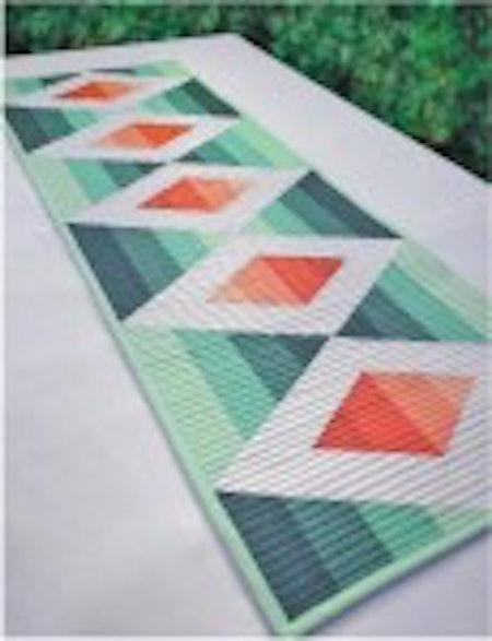 Aztec Diamond Table Runner. Mönster från Cut Loose Press