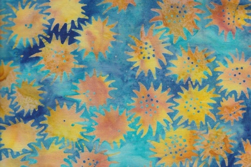 """""""Freaky flower"""" i svenska färgerna.   Balibatik. Bomullstyg 110 cm brett"""