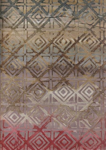 Beige-brun-grön-röda färger med grafiskt mönster. En av 5 tyger i serie. Foto i A4-storlek
