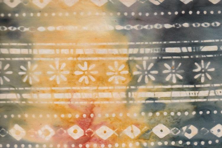 """""""Långrandigt"""" fast på ett uppiggande sätt med sina färger och mönster"""