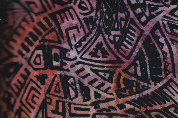"""""""Modern Galaxie"""" i svart med flerfärgat tryck. Viskostyg 140 cm bredd"""
