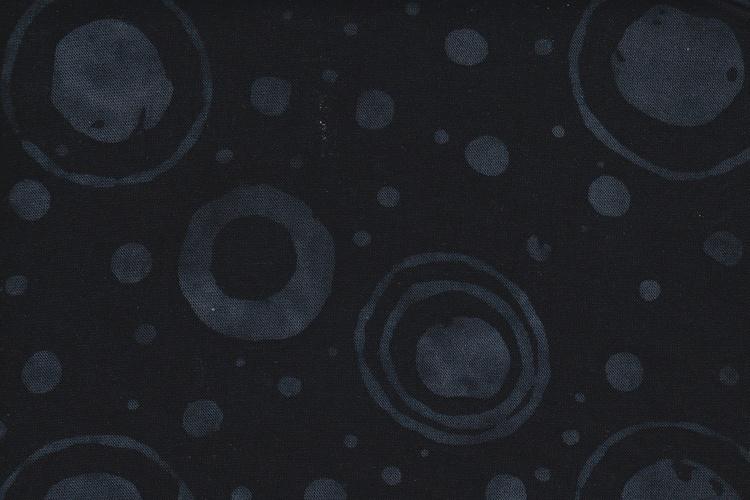 Svart med grått cirkeltryck