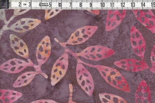 Löv i  behagliga höstfärger.  Balibatik i bomull
