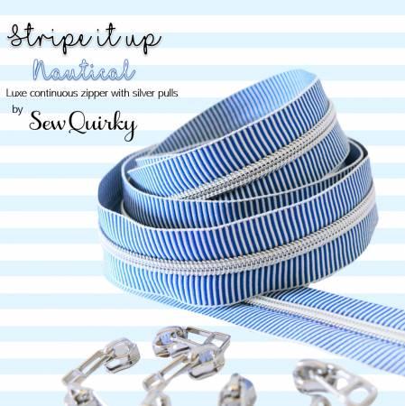 Randig dragkedja i vitt & blått, silverfärgad dragkedja & 8 kläppar, storlek #5, 3 meter. Från Sew Quirky