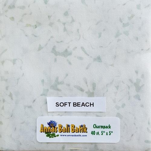 """Charm Packs 40 st.  """"Soft Beach"""" 20 olika ljusa tyger"""
