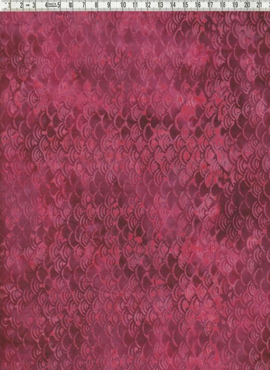 """""""Mörkcerise"""" med små mönster. Batiktyg i bomull"""