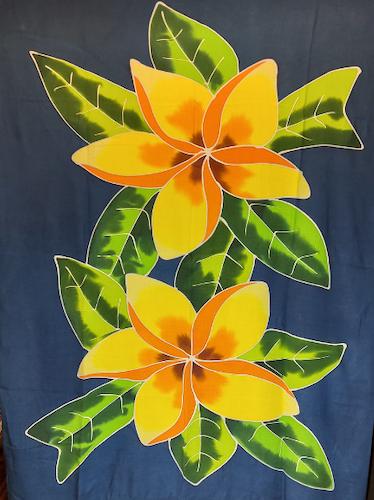 Handmålad sarong med mörkblå botten. Tunn viskos. Utan fransar