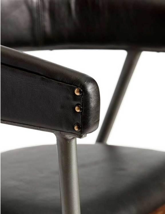 Karmstol naturgarvat läder, svart