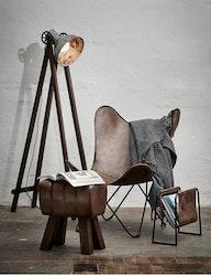 Fladdermusfåtölj naturgarvat läder patina