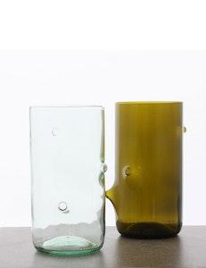 Vas stor återvunna glasflaskor