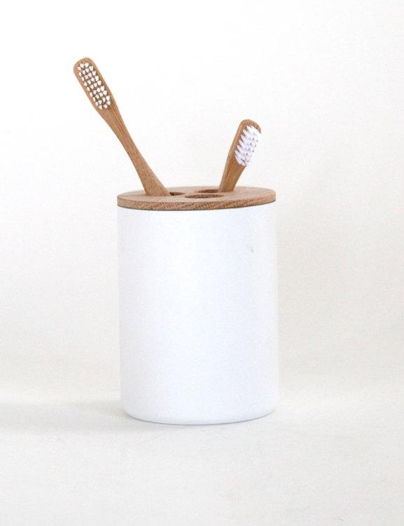 Tandborsthållare av brandsläckare vit