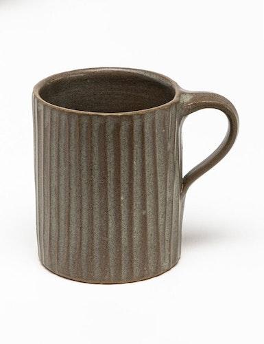 Handdrejad mugg brun, fair trade