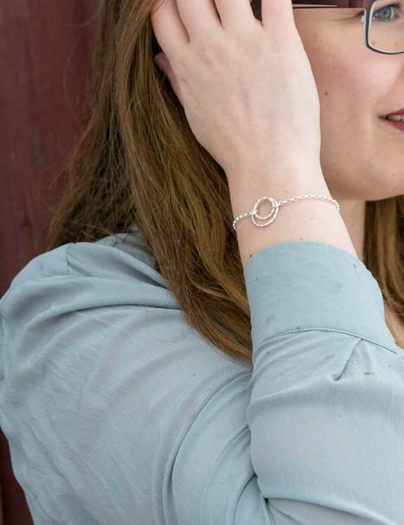 Armband av återvunnet silver, Tvinnad