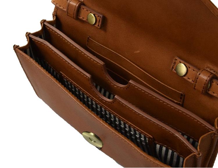 Kuvertväska blir till plånbok, brun
