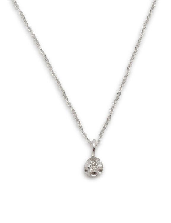 Halsband med liten berlock, återvunnet silver