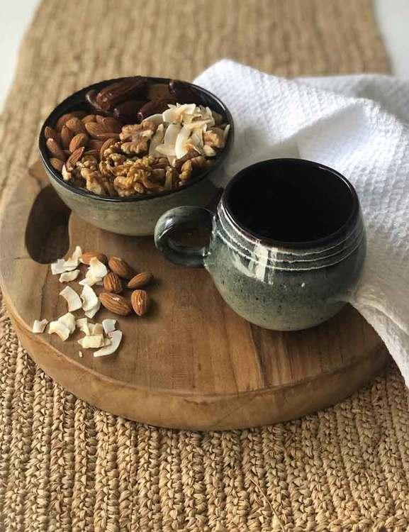 Keramikskål och mugg, naturfärger. Handgjorda från Portugal.