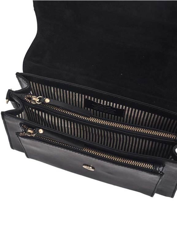 Stor svart läderväska med många smarta fack