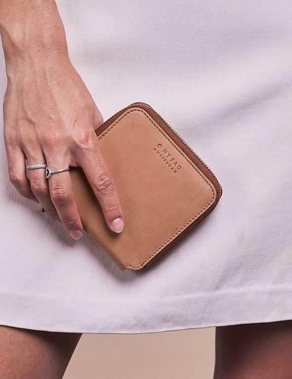 Sofistikerad plånbok, naturgarvat läder