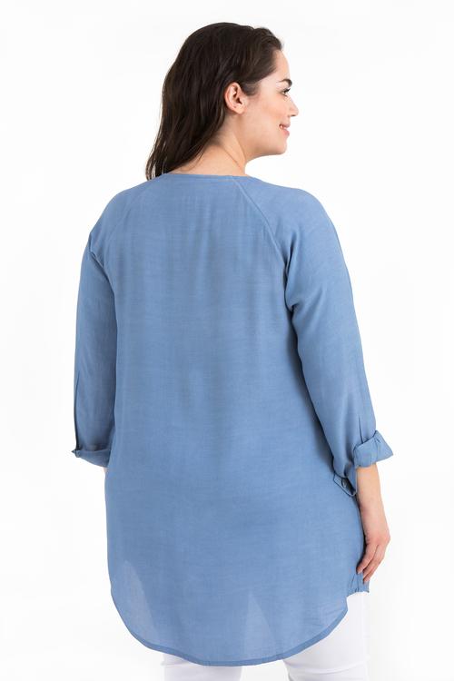 Ilse blus ljusblå