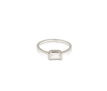 Tiny Baguette Ring Silver