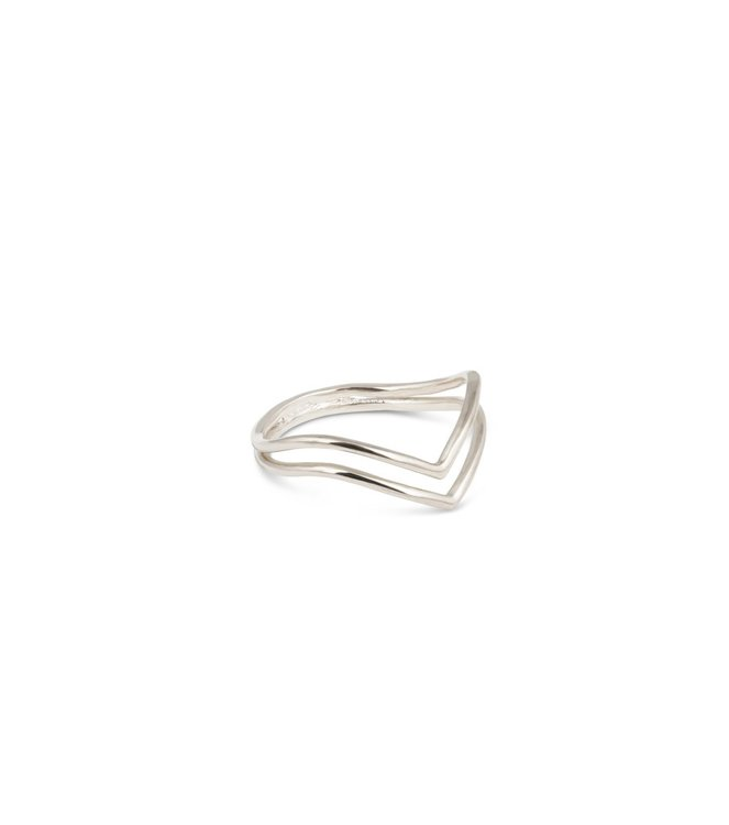 Tiny Arrow Ring Silver