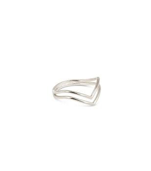 Tiny Arrow Ring Silver