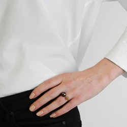 Pearly Ring Gold Black Syster P