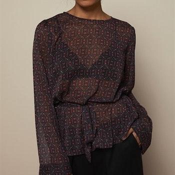 Enya Blouse Black Flower Print Twist & Tango