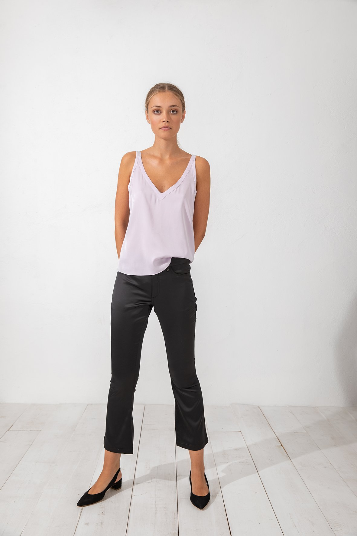 Amaya Cropped Satin Pants Black Ahlvar Gallery