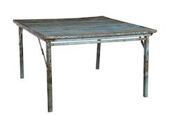 Fyrkantigt matbord