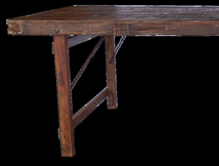 Brunt stort matbord