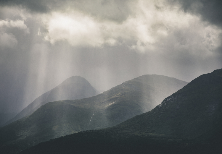 Scandinavian Nature - Rays of Stranda