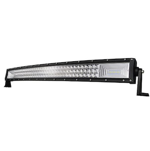 "LED-ljusramp 52"" 675W 67500lms böjd ledramp"