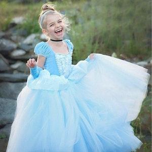 Disney prinsessa Askungen, klänning barn strl.9