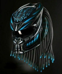 Predator MC hjälm med flätor - Storlek S