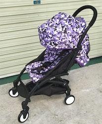 Stilren sulkyvagn med tillbehör, lila mönster