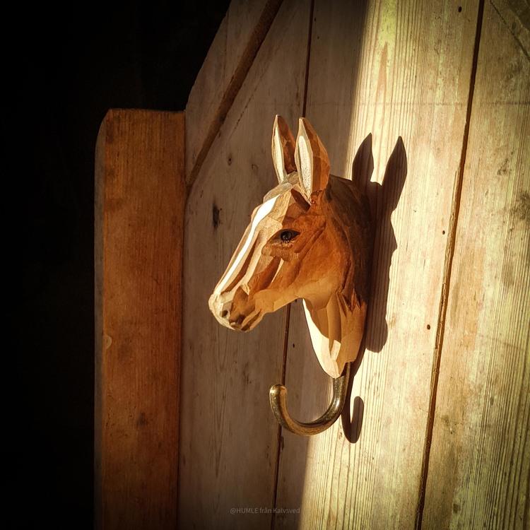Handsnidad krok- Häst