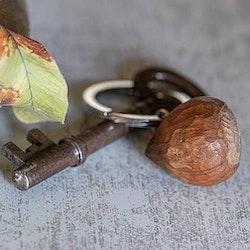 Nyckelring hasselnöt
