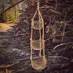 Rejäla hängkorgar i mässing