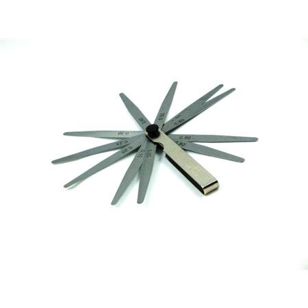 Bladmått. 0,05-1,0mm. 13 blad.