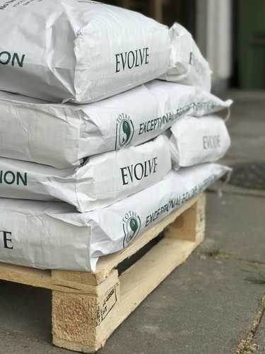 TOTAL Evolve - Qtr pallet 16 sacks. Free delivery