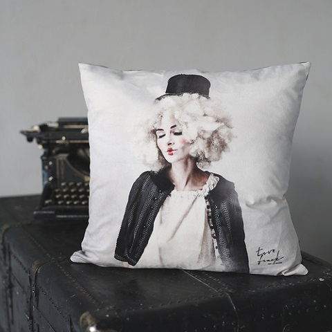 STAY THERE velvet pillow case